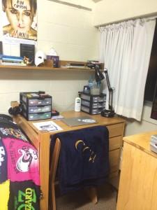 Dorm-Colin-Desk-2