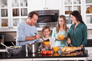 Family-with-Teens-Cooking