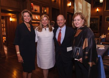 Darrel K Royal Research Fund Honors Dallas Donors