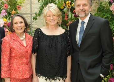 March Stewart Received the Dallas Arboretum Great Contributor Award